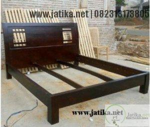 Tempat Tidur Minimalis Jati Modern