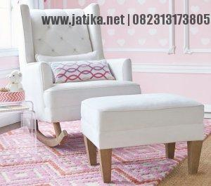 Kursi Sofa Untuk Ibu Menyusui