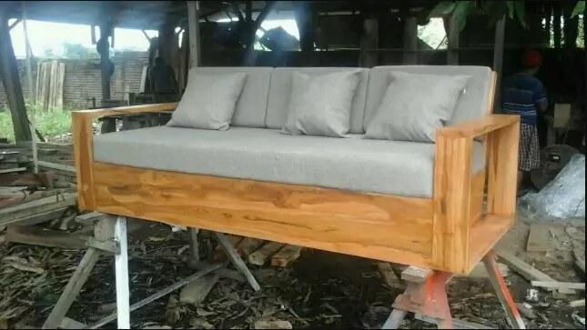 Bangku Sofa Retro 3 Dudukan | JATIKA FURNITURE