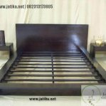 Set Tempat Tidur Minimalis Jati Solid